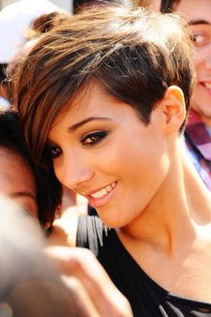 Long pixie haircut looks superb modern and cool. It is best for people who do not have much time in styling their hair. Messy Long Pixie Haircuts for Fine Hair /Via The slight edge makes the textured pixie haircut soft and feminine. Pixie Hairstyles, Popular Short Hairstyles, Straight Hairstyles, Cool Hairstyles, Pixie Haircuts, Glamorous Hairstyles, Hairstyle Ideas, Long Haircuts, Haircut Short