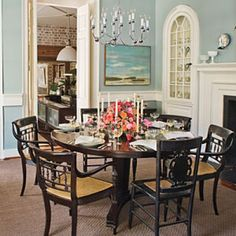 Try a Round Table in Your Dining Room for Extra Space