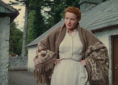 "Maureen O'Hara in ""The Quiet Man"" wearing an Irish shawl. Vintage Hollywood, Classic Hollywood, The Quiet Man Movie, John Wayne Movies, Horrible Histories, Maureen O'hara, Blood Brothers, John Ford, Halloween Cosplay"