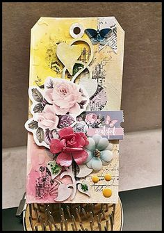 Jorunns fristed: Tag Tutorial Tim Holtz, Stencil, Decorative Boxes, Tags, Home Decor, Decoration Home, Room Decor, Stenciled Table, Home Interior Design
