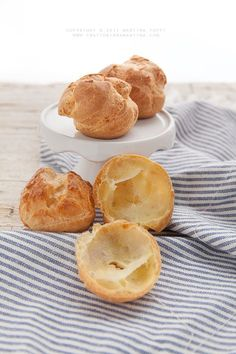 The choux pastry and its secrets Italian Desserts, Mini Desserts, Frozen Desserts, Sweet Recipes, Snack Recipes, My Favorite Food, Favorite Recipes, Donuts, Mini Pastries