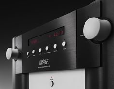 Mark Levinson No585 Integrated Amplifier - Close Up