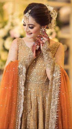 Pakistani Fancy Dresses, Beautiful Pakistani Dresses, Pakistani Wedding Outfits, Indian Gowns Dresses, Pakistani Bridal, Bridal Dresses, Pakistani Girl, Pakistani Actress, Wedding Gowns