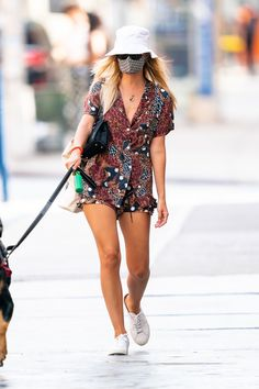 A Face Mask Is a Nonnegotiable for These Celebrities | Glamour Celebrity Look, Celebrity Dresses, Pregnant Actress, Jessica Seinfeld, Katherine Schwarzenegger, Emily Ratajkowski, Olivia Palermo, Fashion Face Mask, Celebs