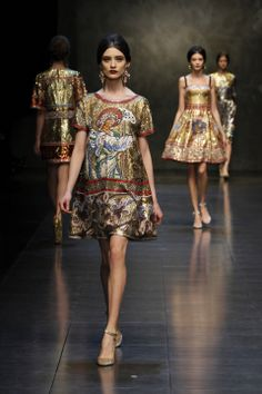 Dolce  Gabbana Women Fashion Show Gallery – Fall Winter 2014 Collection.  Love this! A more wearable piece of DG's collection.