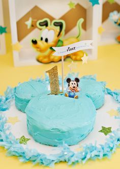 Creative Mickey Mouse Birthday Party Ideas {+ Free Party Printables} // Hostess with the Mostess® 1 Year Birthday Party Ideas, 2nd Birthday Party For Boys, Mickey Mouse First Birthday, Mickey Mouse Parties, Mickey Party, First Birthday Cakes, Minnie Mouse, Mickey Mouse Smash Cakes, Twins 1st Birthdays