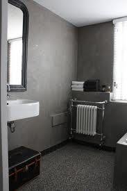 Zwart wit rode tegellambrisering jaren 30 jaren 20 jaren 30 woning tegels - Betegelde rode badkamer ...