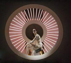 MesVitrinesNYC: Dior au printemps Window Display Design, Shop Window Displays, Booth Design, Photowall Ideas, Visual Merchandising Displays, Light Of Life, Showcase Design, Retail Design, Store Design