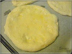 Limara péksége: Fokhagymás-kacsazsíros kenyérlángos Bakery, Lime, Bread, Cheese, Cooking, Recipes, Food, Kitchen, Limes