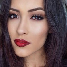 Red lips & cat eye makeup, perfection. - someone do this for me!!
