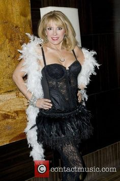 Ramona Singer Show me your burlesque party at the Empire Hotel - arrivals - Pictures) Housewives Of New York, Housewives Of Beverly Hills, Real Housewives, Burlesque Party, Empire Hotel, Ramona Singer, Celebs, America, Sexy