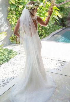http://www.easyweddings.com.au/real-weddings/bali-wedding-just-ticket-smitten-melbourne-couple/