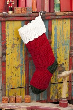 Is everyone asking for a Christmas stocking this year? You can make lots of them with this easy crochet Christmas stocking pattern. Crochet Christmas Stocking Pattern, Crochet Stocking, Crochet Santa, Knitted Christmas Stockings, Holiday Crochet, Christmas Knitting, Easy Crochet, Free Crochet, Christmas Patterns