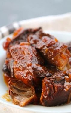 Our favorite super-easy Sunday dinner - Slow Cooker Country Style BBQ Ribs Best Slow Cooker, Crock Pot Slow Cooker, Slow Cooker Recipes, Crockpot Recipes, Freezer Meals, Easy Meals, Camping Meals, Weeknight Meals, Easy Sunday Dinner