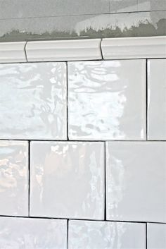 fru N och villa Någorlunda: we love prinsen Laundry In Bathroom, Simple Bathroom, Master Bathroom, Relaxing Bathroom, Downstairs Loo, Bath Tiles, Kitchen Stories, Scandinavian Interior Design, Beautiful Buildings