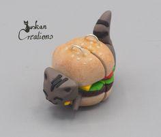 Polymer clay food charm, friendship charm, kawaii cat charm, hamburger keychain, kawaii keychain charm, crazy cat lady, gift for women von JuskanCreations auf Etsy