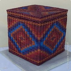 Поделка изделие Плетение Плетение орнаментов на коробах с квадратным дном Трубочки бумажные фото 6