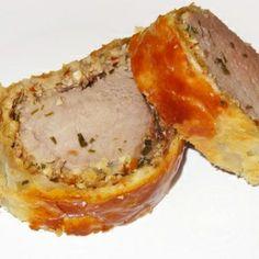 Filet mignon de porc de plein air en croûte aux noix et échalotes