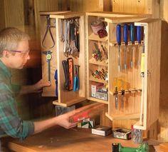 como fazer gratuitamente no blog: Ah! E se falando em madeira...: armario articulado para ferramentas