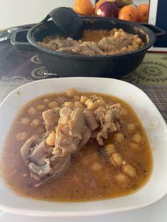 Peus de porc a la catalana. Thai Red Curry, Ethnic Recipes, Food, Essen, Meals, Yemek, Eten