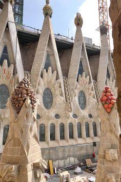 Gaudi started project in 1883 and it is still under construction. Barcelona Architecture, Architecture Old, Historical Architecture, Architecture Details, Filippo Brunelleschi, Antonio Gaudi, Andrea Palladio, Renaissance Architecture, Barcelona Catalonia