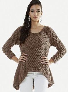 Пуловер с боковыми скосами и узором из кос