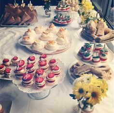 Yellow themed baby shower. Baby Shower food ideas. Food styling. Event Styling.