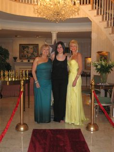 Oscar Party --- need red carpet and possibly ropes?