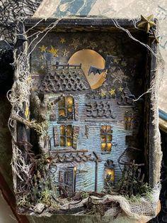 Halloween Diorama, Halloween Shadow Box, Halloween Projects, Halloween 2020, Holidays Halloween, Halloween Diy, Happy Halloween, Fun Projects, Halloween Stickers