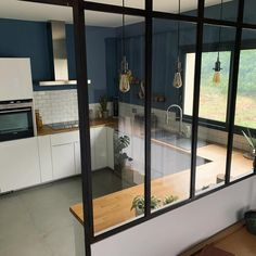 Verrière Cuisine: Afternoon busy with furniture assembly and evi . Verrière Cuisine: Afternoon busy with furniture assembly and evi . Kitchen Room Design, Room Interior Design, Kitchen Interior, Kitchen Decor, Interior Ideas, Kitchen Ideas, Kitchen Designs, Farmhouse Style Kitchen, Modern Farmhouse Kitchens