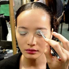 http://kenderasia.com/spring-summer-2014-make-up-trends-with-mac/
