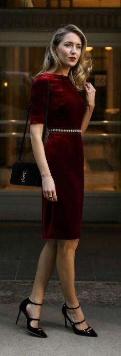 0d6ea71b9395 Wear velvet on Christmas night – Fashion