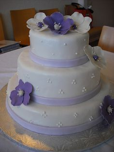 PURPLE FONDANT FLOWERS | The Smart Cookie Bakery: Purple and White Wedding Cake