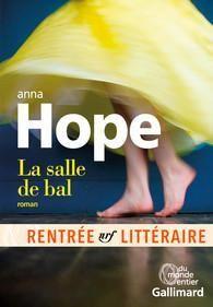 Critiques, citations, extraits de La salle de bal de Anna Hope. Difficile de résister au tourbillon romantico-dramatique qui anime ce ...