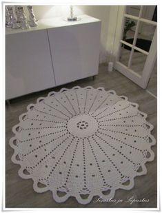 Crochet Carpet, Crochet Rugs, Rugs And Mats, Grey Roses, Crochet Home Decor, Crochet Shoes, Floor Rugs, Doilies, Lana