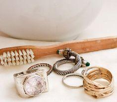 Ο πιο εύκολος τρόπος να καθαρίσετε τα κοσμήματα σας