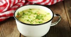 Learn how to make homemade vegetable broth in this week's Healthy Kitchen Replacement Series Homemade Vegetable Broth, Organic Garlic, Healthy Vegetables, How To Make Homemade, Soups And Stews, Beets, Cheeseburger Chowder, Vegan, Cooking