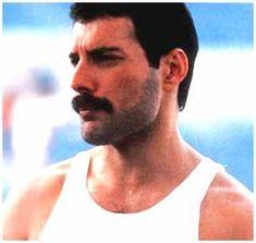 Freddie Mercury (1946-1991), such a great singer.