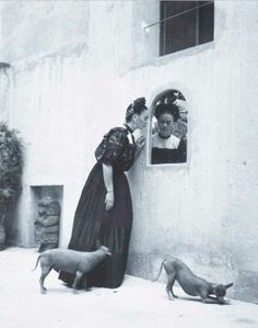Frieda-Kahlo-Xoloitzcuintli-dogs-photograph-dress-black-white