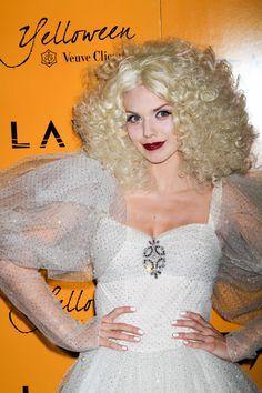 AnnaLynne McCords platinum blonde hairstyle