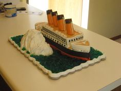 My attempt to make Titanic Birthday Cake For my boy. Titanic Cake, Rms Titanic, Cake Decorating Classes, Cake Decorating Tutorials, Decorating Ideas, Cake Boss Recipes, Cupcake Cakes, Cupcakes, Ideas