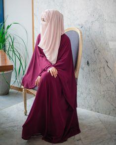 Beautiful Hijab Girl, Beautiful Muslim Women, Hijabi Girl, Girl Hijab, Wedding Hijab Styles, Niqab Fashion, Fasion, Fashion Outfits, Hijab Style Tutorial