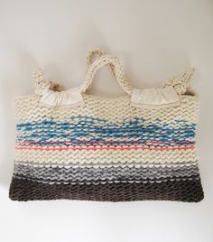 "New Cheap Bags. The location where building and construction meets style, beaded crochet is the act of using beads to decorate crocheted products. ""Crochet"" is derived fro Bead Crochet, Diy Crochet, Crochet Bags, Knitted Bags, Knit Bag, Baby Patterns, Crochet Patterns, Stella Bag, Japanese Bag"