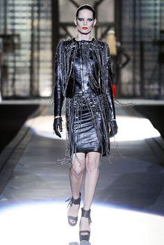 Dsquared2 Fall 2010 Ready-to-Wear Fashion Show - Iris Strubegger