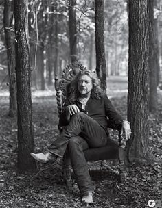 Robert Plant - is there a man with a sexier voice? I don't think so.