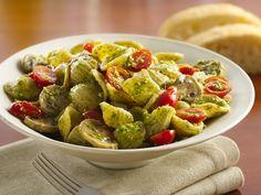 Veggies and Orecchiette with Arugula-Walnut Pesto Arugula Pesto Recipe, Arugula Recipes, Salad Recipes, Yummy Recipes, Vegetarian Pasta Dishes, Vegetarian Meals, Garlic Olive Oil, Walnut Pesto, Restaurant Recipes