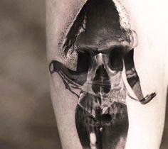 Подборка любетелей ужастиков тату, ЛЛТ, лига любителей татуировки, длиннопост, подборка, хоррор, ужасы, черно-белое