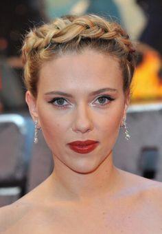 Makes e penteados da Scarlett Johansson