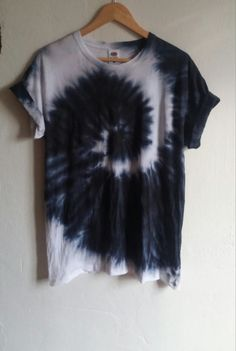 The Black Snake Tie Dye Shirt black fashion indie by SpacyShirts Black Tie Dye Shirt, Tie Dye Shirts, Tye Dye, Camisa Tie Dye, Indie Fashion, Fashion Outfits, Indie Mode, Tie Dye Crafts, How To Tie Dye