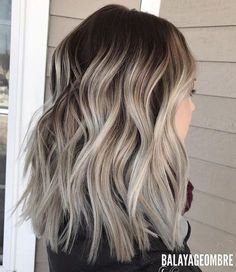Dark brown balayage with cool blonde ends. best brown balayage hair designs for medium length hair, medium hairstyle color Cabelo Ombre Hair, Baliage Hair, Baylage Short Hair, Baylage Ombre, Ombre Hair Long Bob, Ash Ombre Hair, Pelo Color Ceniza, Blonde Mode, Medium Hair Styles